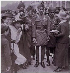 Indian troops welcomed in Europe - Source, Santanu Das