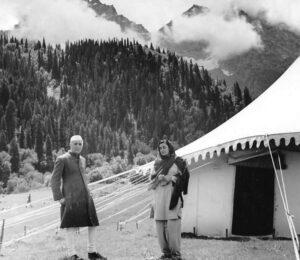 Baltal, Sonamarg with Mrs Indira Gandhi, while on holiday