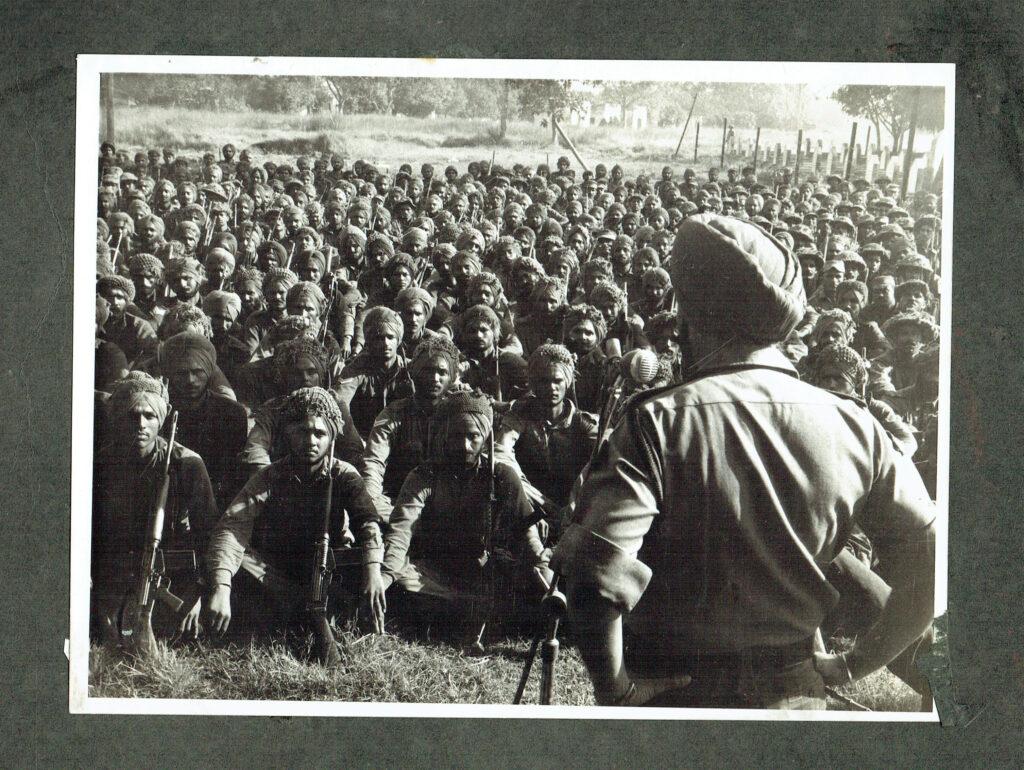 Lt Gen JS Arora addressing the troops of 14 Punjab