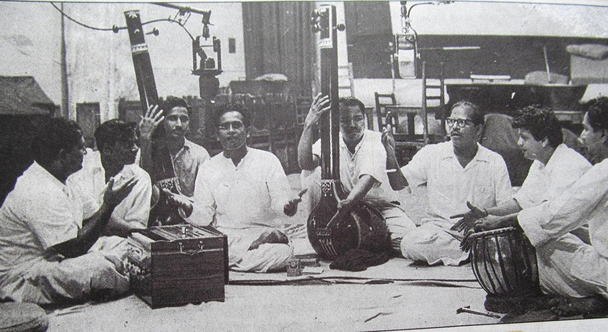 Shankar-Jaikishen with Pt Bhimsen Joshi and Manna Dey while recording Ketaki Gulab Juhi