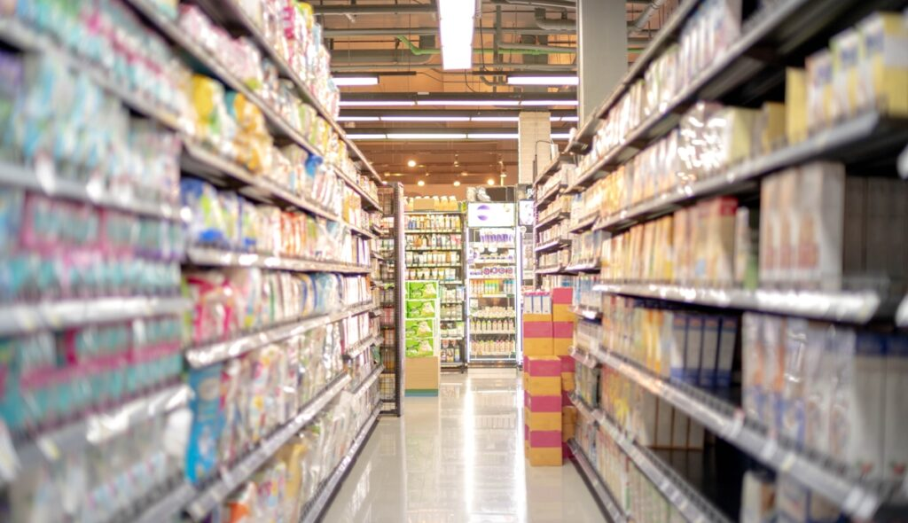 Large stores can apply 5G real-time intelligence to inventory tracking and make their shelves smart