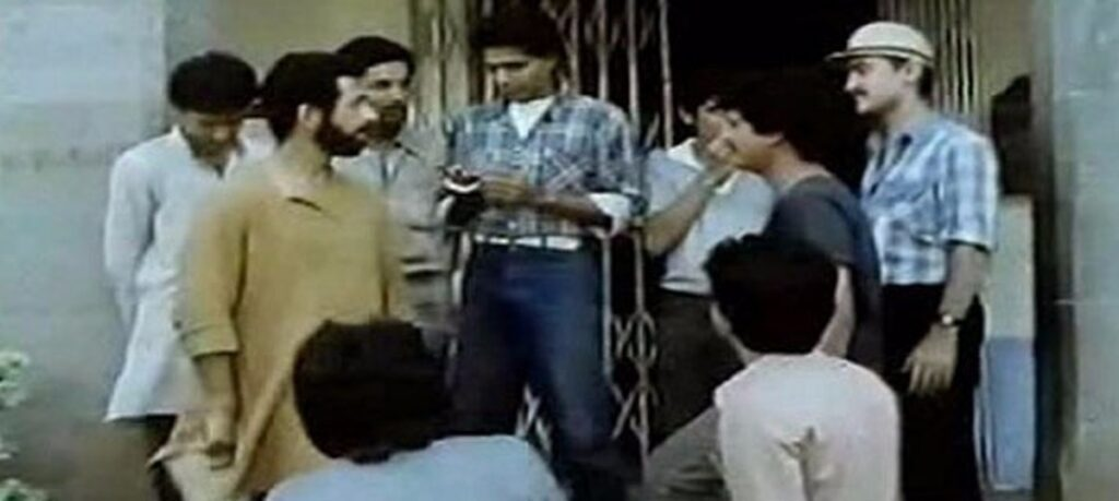 Idealistic professor Naseeruddin Shah is on the side of the students