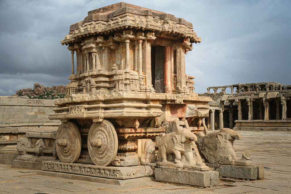 19_Garuda Shrine (Wheeled Chariot form) in Vitthala temple complex 1v2